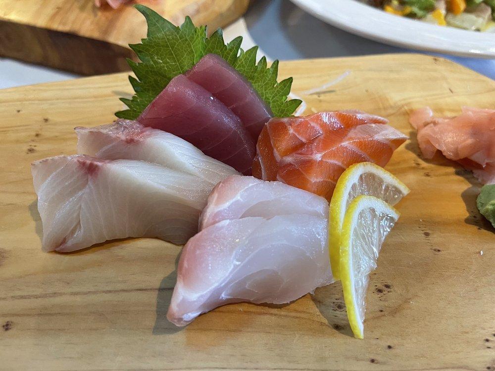 Sashimi combo lunch